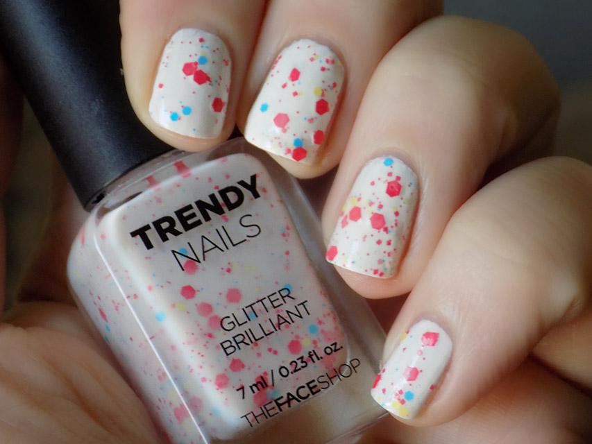 thefaceshop Trendy Nails Glitter GLI030 bottle swatch 2016