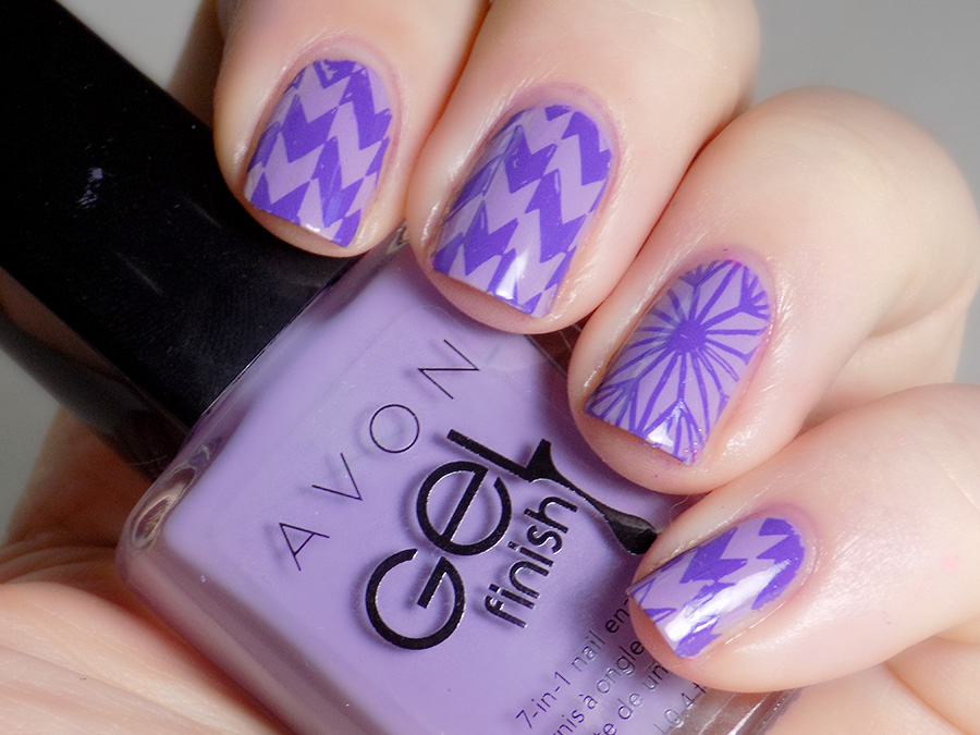 31DC2016 Day 16 - Geometric Swatch - Avon Lavender Sky and MdU Fantasy - Pueen Geo Lover 02