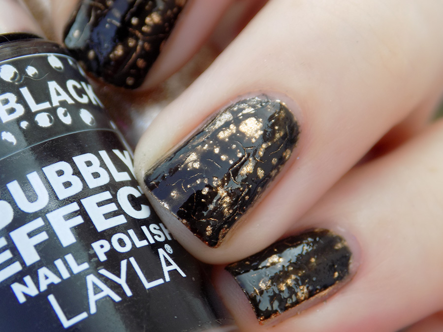 Metallic Nails - 31SC2016 - SH Go For Gold - Layla Black Forest Bubbly - Closeup