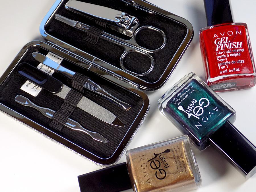 Avon Christmas Nail Art and Glitter Manicure Set