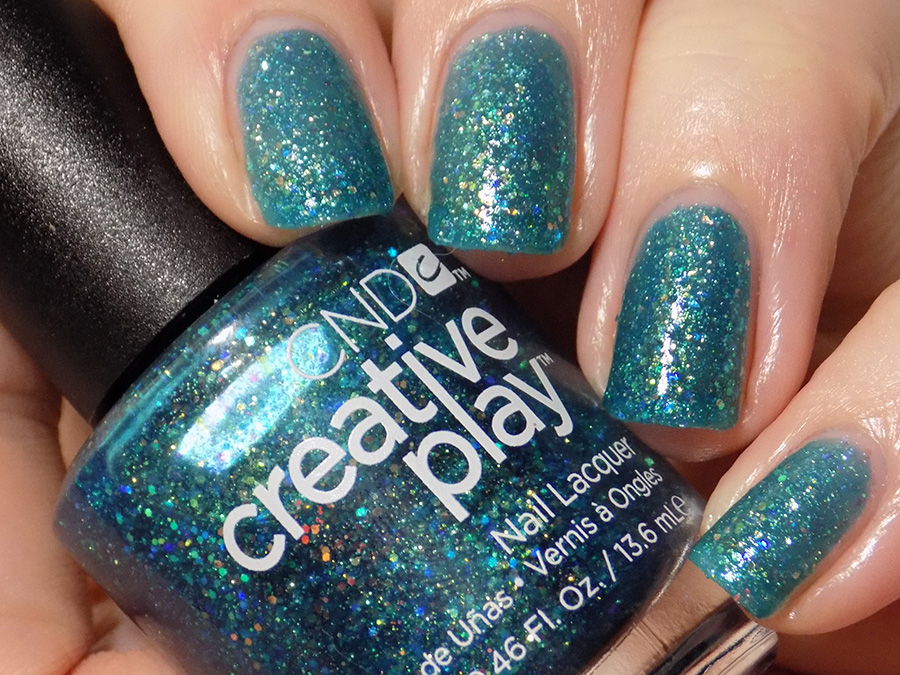 CND Creative Play Express Ur Em-oceans from Sunset Bash Collection - Swatch Artificial Light 2