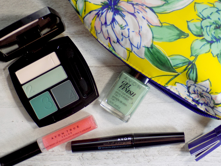 Going Green with Avon On The Vine Matte Eyeshadow Quad Canada